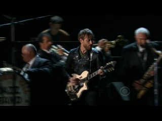 The Black Keys - Lonely Boy (Grammy 2013)